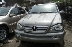 Neat Foreign used Mercedes-Benz M Class ML350 2005 Gray