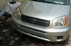 Foreign Used Toyota RAV4 2.0 4x4 2004 Silver