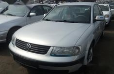 Very Clean Foreign used Volkswagen Passat 2003 Silver