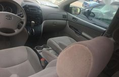 Clean Tokunbo Toyota Sienna 2005 Red
