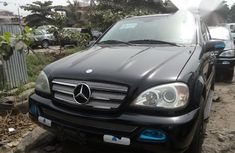 Neat Foreign used Mercedes-Benz M Class ML350 2005 Black