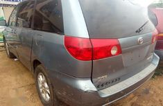 Neat Tokunbo Toyota Sienna 2006 Blue
