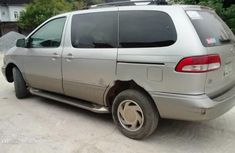 Sell grey/silver 2002 Toyota Sienna van / minibus automatic in Lagos