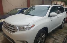Used 2013 Toyota Highlander suv / crossover for sale at price ₦7,500,000 in Lagos