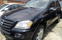Sell used black 2006 Mercedes-Benz ML350 suv / crossover automatic in Lagos