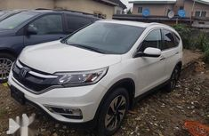 Super clean Tokunbo Honda CR-V 2015 White