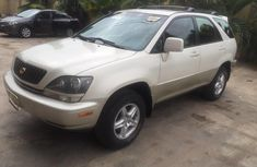 Need to sell cheap used white 2000 Lexus RX automatic