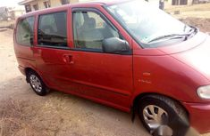 Neat Nigerian used Nissan Serena 2000 Red