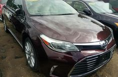 Neat Foreign used Toyota Avalon 2013 Brown