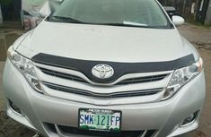 Well Maintained Nigerian used Toyota Venza 2010 V6 Silver