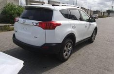 Foreign Used Toyota RAV4 2015 LE 4dr SUV White