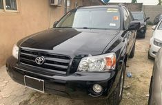 Black 2002 Toyota Highlander car automatic at attractive price in Lagos
