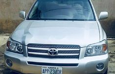 Need to sell high quality 2007 Toyota Highlander at price ₦1,650,000