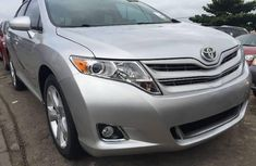 Well maintained grey/silver 2009 Toyota Venza automatic for sale