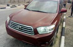 Sell well kept 2010 Toyota Highlander automatic
