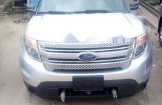 Need to sell high quality grey/silver 2011 Ford Explorer suv / crossover automatic