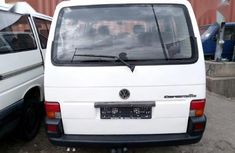 Clean Tokunbo Volkswagen Caravelle 2002 Model White