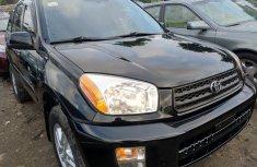 Selling authentic 2003 Toyota RAV4 in Lagos