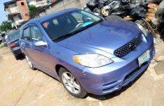 Neat Nigerian used Toyota Matrix 2004 Blue