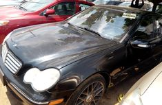 Clean black 2006 Mercedes-Benz C320 car for sale at attractive price