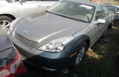 Neat Foreign used Lexus ES 300 2002 Green