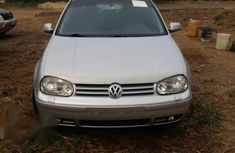 Neat Nigerian used Volkswagen Golf 2004 Silver