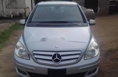 Selling grey/silver 2007 Mercedes-Benz B-Class hatchback in good condition