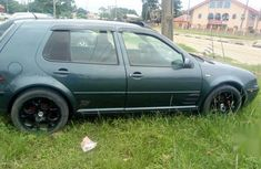 Neat Nigerian used Volkswagen Golf 2004 Green