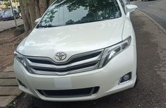 Super clean Tokunbo Used Toyota Venza Limited AWD V6 2013 White