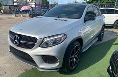 Need to sell 2016 Mercedes-Benz GLE automatic in good condition in Lagos