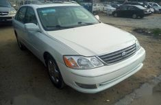 Neat Foreign used Toyota Avalon 2003 White