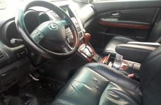 Neat Nigerian used Lexus RX 2004 Silver