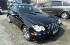 Well Maintained Nigerian used Mercedes-Benz C240 2006 Black