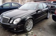 Best priced black 2008 Mercedes-Benz E350 automatic at mileage 101,000