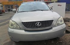 Well maintained grey/silver 2004 Lexus RX suv / crossover for sale in Lagos