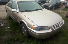 Neat Foreign used Toyota Camry 2000 Gold
