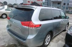 Clean Used Toyota Sienna 2012 Blue