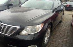 Selling black 2007 Lexus LS in Lagos