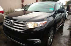 Used black 2011 Toyota Highlander automatic for sale in Lagos