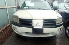 Clean Foreign Used Mitsubishi Endeavor 2004 XLS White