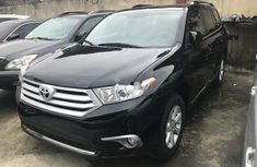 Sell used 2013 Toyota Highlander automatic at price ₦6,950,000