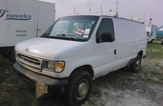 Super Clean Foreign used Ford E-250 2001 White