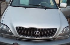 Clean Nigerian Used Lexus RX 2000 Silver
