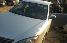 Clean Nigerian Used Toyota Camry 2004 Model Silver