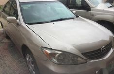 Clean Nigerian used Toyota Camry 2004 Model  Gold