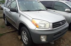Need to sell cheap used 2004 Toyota RAV4 suv / crossover in Lagos