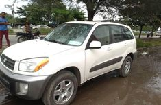Selling 2003 Toyota RAV4 in good condition in Lagos