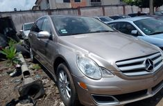 Clean Tokunbo Used  Mercedes-Benz R-Class  2008 Gold