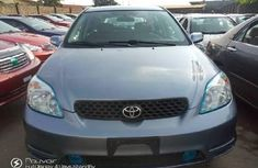 Selling blue 2003 Toyota Matrix automatic at price ₦1,800,000