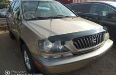 Selling 2000 Lexus RX suv / crossover at price ₦1,900,000 in Lagos